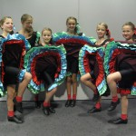 """Kinder Gruppe mit """"CAN CAN"""""""